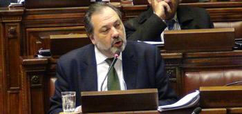 """Diputado Jorge Gandini, miembro informante del P. Nacional en el debate sobre """"capitalización· de Ancap"""