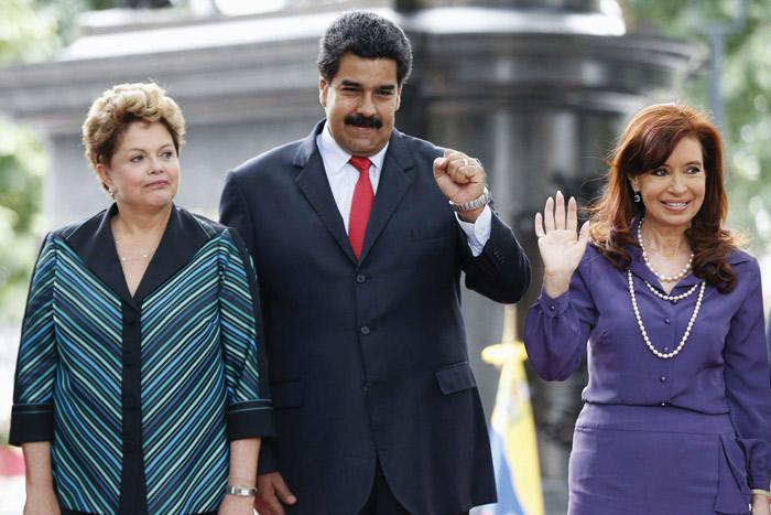 """Las elecciones del pasado domingo en Argentina marcaron el fin de la hegemonía kirchnerista en la nación hermana. Era hora. Es cierto que el peronismo conserva mucho poder. Pero ya no dispondrá de la """"caja"""" del Estado, factor principalísimo para sus políticas populistas y la compra de voluntades.  Es probable que el fin del """"reinado"""" de Cristina, sea un punto de inflexión en el proceso de cambios que toda la región está necesitando. El régimen fascistoide de Maduro en Venezuela se cae a pedazos y tendrá en breves días una prueba de fuego. Dilma Rouseff, mientras tanto, baila en la cuerda floja acosada por la caída de su imagen y las denuncias de corrupción. ¿Será el principio del fin?"""