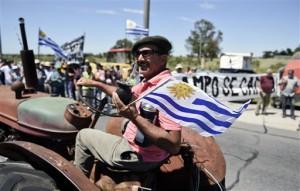 El campo se moviliza y protesta (foto AP)