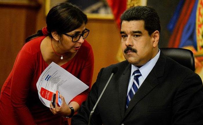La Canciller Venezolana  Delcy Rodríguez junto al Presidente Maduro.